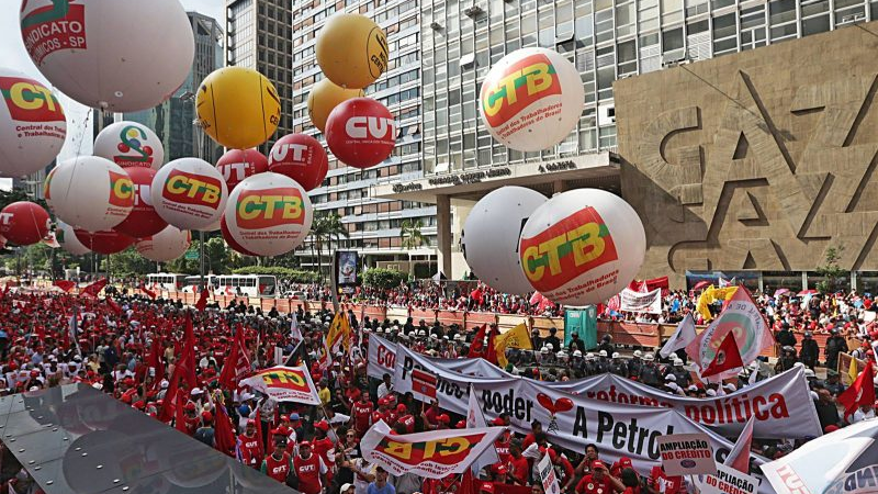 Por que defender o movimento sindical